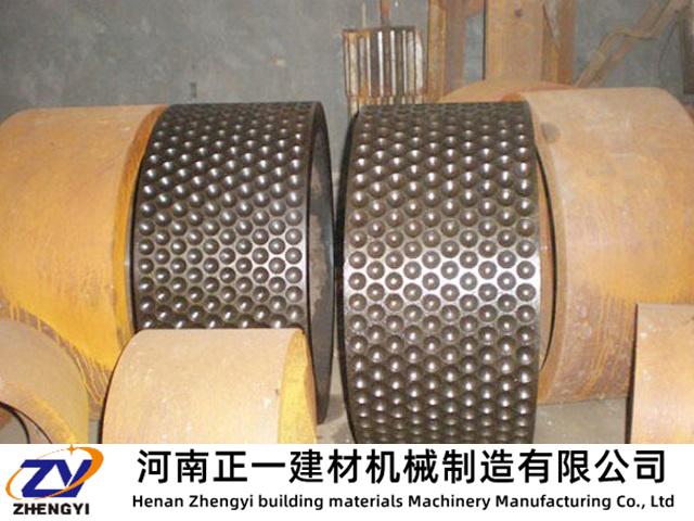 干粉压球机辊子发热的处理方法